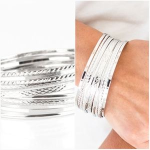 AM I BRIGHT SILVER BANGLE BRACELET SET